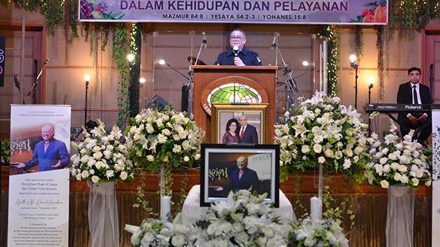 9_Pdt. Toni Mulia mewakili Jaringan Doa Sekota (Jakarta Utara)